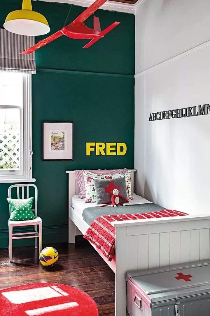 πράσινο χρώμα σε παιδικό δωμάτιο