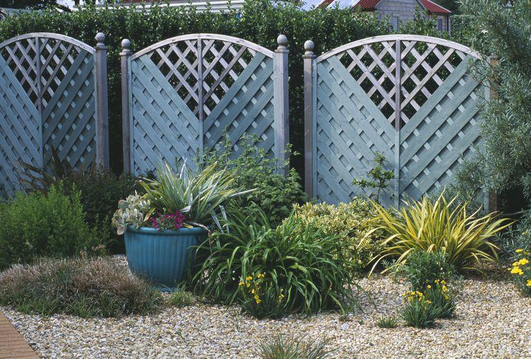 μεταμόρφωση κήπου φράχτες