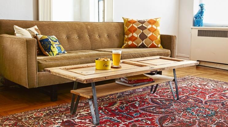 τραπέζι από ξύλινη πόρτα