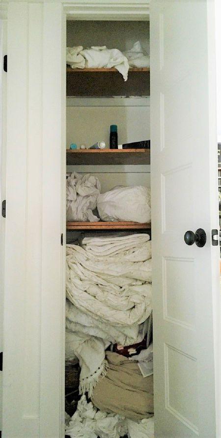 μικρός χώρος ντουλάπας