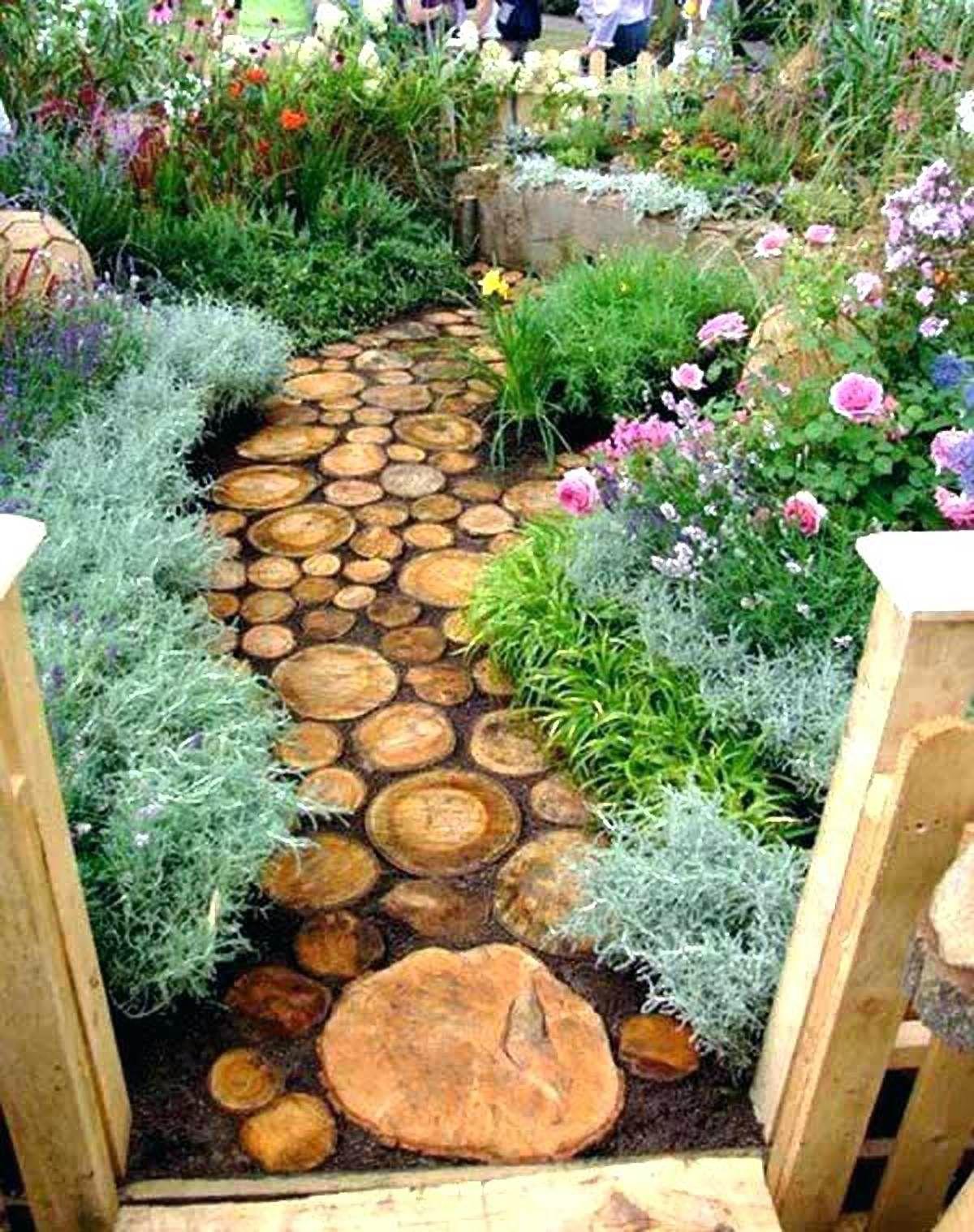 κήπος ξύλινο μονοπάτι