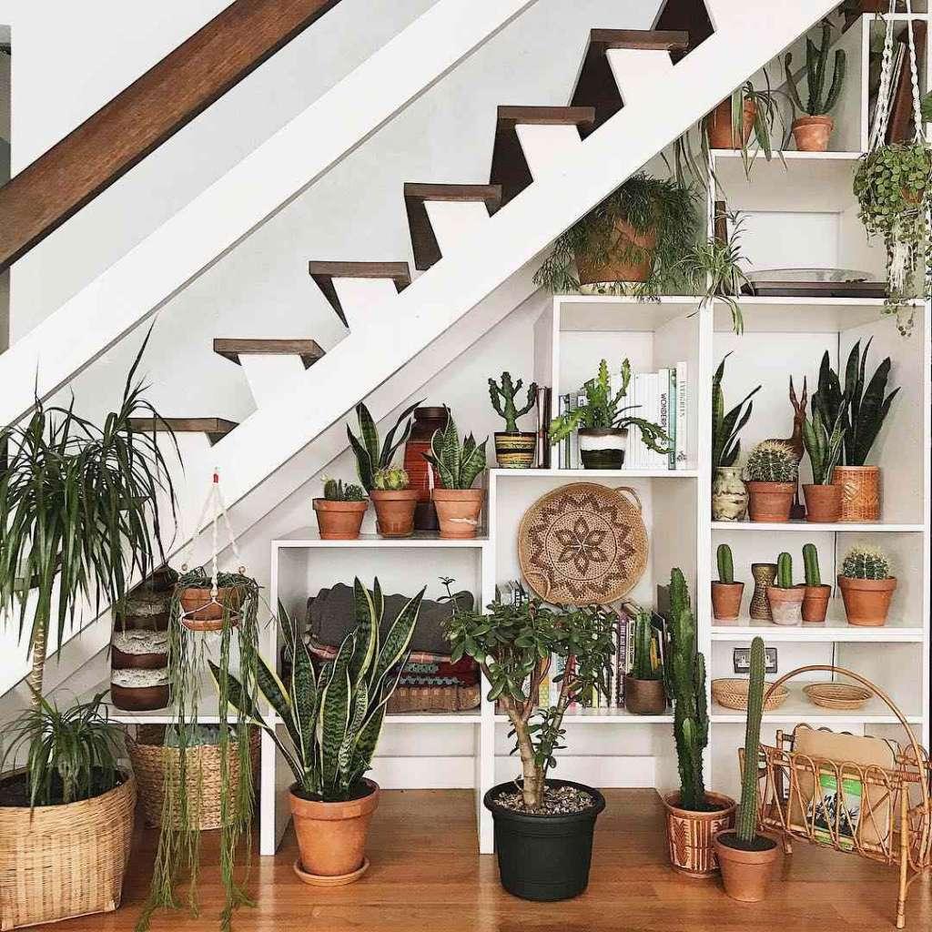 διακόσμηση χώρου στην σκάλα